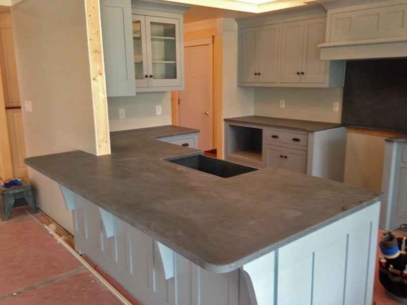 Kitchen Island Tops color trends in granite, quartz, marble, & soapstone - black